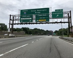 2018-07-21_18_22_20_View_north_along_the_local_lanes_of_Interstate_95__Bergen-Passaic_Expressway__at_Exit_71__Englewood__on_the_border_of_Englewood_and_Leonia_in_Bergen_County__New_Jersey.jpg