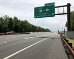 2018-07-21_13_43_00_View_south_along_New_Jersey_State_Route_444__Garden_State_Parkway__at_Exit_163__SOUTH_New_Jersey_State_Route_17_to_New_Jersey_State_Route_4__Paramus__George_Washington_Bridge__in_Paramus__Bergen_County__New_Jersey.jpg