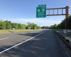 2018-05-26_08_17_08_View_north_along_New_Jersey_State_Route_444__Garden_State_Parkway__just_south_of_Exit_117__New_Jersey_State_Route_35__New_Jersey_State_Route_36_SOUTH__Hazlet__Keyport__in_Hazlet_Township__Monmouth_County__New_Jersey.jpg