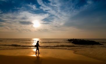 Spring_Lake__New_Jersey_Beach_at_Sunrise.jpg