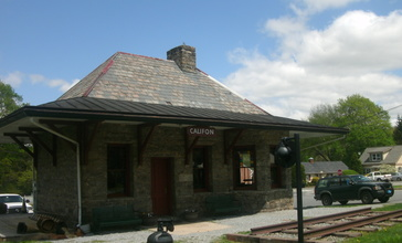 Califon_Station_-_April_2011.jpg