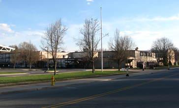 Merriam_Avenue_Elementary_School_Newton_New_Jersey.jpg