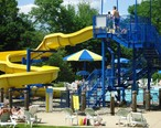 City_of_Summit_Family_Aquatic_Center_water_slide.JPG