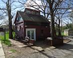 Ice_cream_shop_and_tree_and_sky_in_Basking_Ridge_New_Jersey.JPG