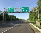 2018-05-21_18_05_11_View_north_along_New_Jersey_State_Route_700__New_Jersey_Turnpike__just_south_of_Exit_4_in_Mount_Laurel_Township__Burlington_County__New_Jersey.jpg