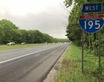2018-05-27_19_51_48_View_west_along_Interstate_195__Central_Jersey_Expressway__just_west_of_Exit_16_in_Millstone_Township__Monmouth_County__New_Jersey.jpg