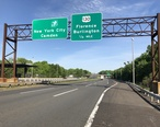 2018-05-21_17_05_48_View_north_along_Interstate_95__New_Jersey_Turnpike_Pennsylvania_Extension__just_south_of_the_exit_for_U.S._Route_130__Florence__Burlington__in_Florence_Township__Burlington_County__New_Jersey.jpg