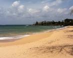 Paia_Beach_looking_east.jpg