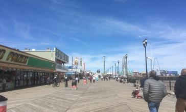Seaside_Heights_boardwalk_looking_north_toward_Casino_Pier.jpg