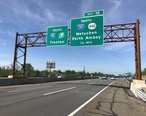 2018-05-21_09_23_12_View_south_along_Interstate_95__New_Jersey_Turnpike__just_north_of_Exit_10__Interstate_287_NORTH__New_Jersey_State_Route_440_NORTH__Metuchen__Perth_Amboy__in_Edison_Township__Middlesex_County__New_Jersey.jpg