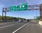 2018-05-21_09_31_36_View_south_along_Interstate_95__New_Jersey_Turnpike__just_north_of_Exit_9__New_Jersey_State_Route_18__U.S._Route_1__New_Brunswick__in_New_Brunswick__Middlesex_County__New_Jersey.jpg