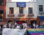 Stonewall_Inn_5_pride_weekend_2016.jpg