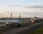 JFK_Plane_Queue.jpg
