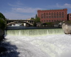 Monroe_Street_Dam_on_Spokane_River.jpg