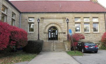 Carnegie_Library_McKeesport_2018a.jpg