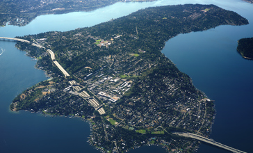 Aerial_photo_of_Mercer_Island__Washington.jpg