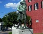 Walden_McKinley_statue.JPG