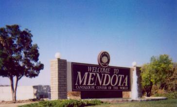 Mendota_entrance_sign_2006.jpg