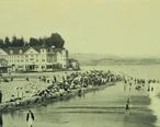 Beach_scene_at_Capitola__California.jpg