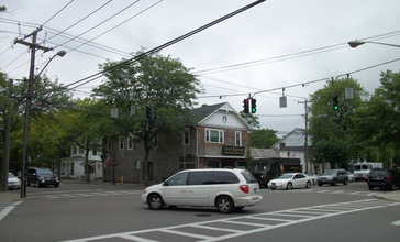Bellport_4_Corners__Village_Bistro.JPG