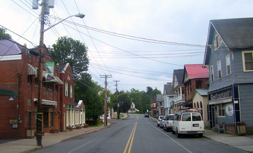 Downtown_Mountaindale__NY.jpg