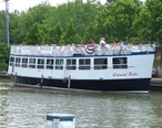 Erie_Canal_Cruise_-_Colonial_Belle.jpg