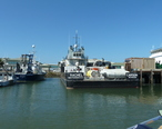 Vessels_of_the_Monterey_Bay_Aquarium_Research_Institute_2012-10-13_P1030631.JPG