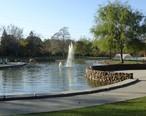 Santa_Clara_city_park_with_fountain.jpg