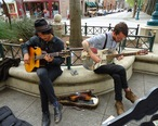 California_Santa_Cruz_street_musicians_playing.JPG