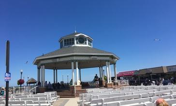 Rehoboth_Beach_bandstand.jpg