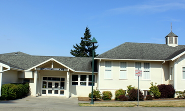 Columbia_City_School_-_Columbia_City__Oregon.jpg