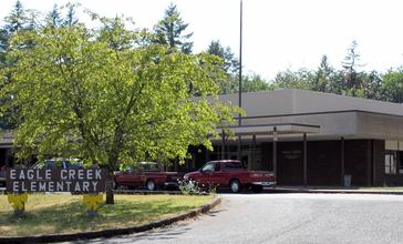 Eagle_Creek_Elementary_-_Eagle_Creek_Oregon.jpg