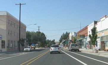 Moro_Oregon_Main_Street_20060818.jpg