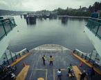 Washington_State_Ferry_boat_landing_at_Bainbridge_Island_Terminal.jpg