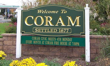 Welcome_sign_for_Coram__NY.jpg