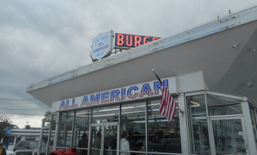 All-American_Hamburger_Drive-In__Massapequa__New_York.jpg