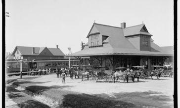 Lackawanna_Railway_Station__Mt._Pocono__PA_c.1905.jpg