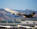 Airbus_A-300_UPS_takes_off__5863558111___2_.jpg