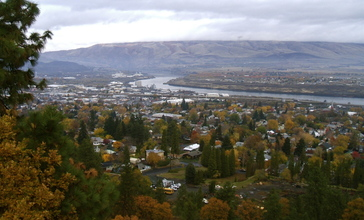 The_Dalles_OR_with_Columbia_River.jpg