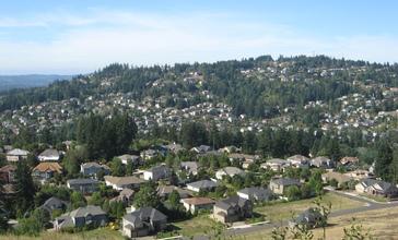 Mount_Scott_and_Happy_Valley.jpg