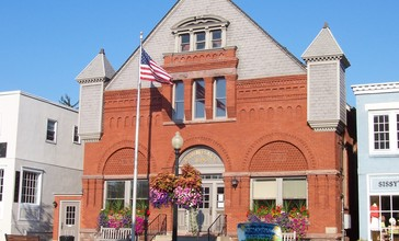 Pittsford__New_York_town_hall.jpg