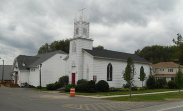 Church_in_Sodus_Point__New_York.jpg