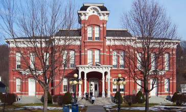 Wayne_County_courthouse_mod.jpg