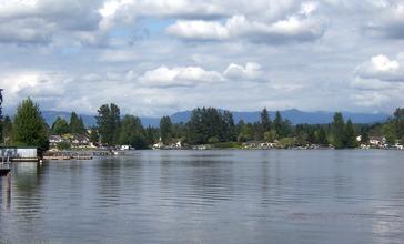 Lake_Stevens_northeast_shore.jpg