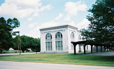 Railroad-station-in-ligonier-pennsylvania.jpg