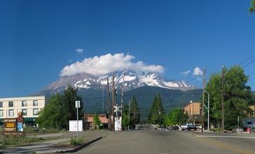 USA_Mt_Shasta_pano_CA.jpg