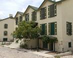 Former_Fort_Bliss_buildings_at_Hart_s_Mill.jpg
