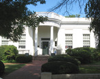 Larchmont_Library_jeh.JPG