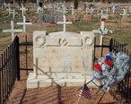 Fort_McDowell_Yavapai_Nation--Ba_Dah_Mod_Jo_Cemetery-Carlos_Montezuma_grave-2.jpg