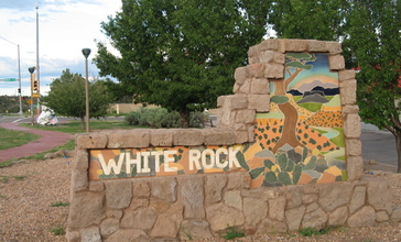 White_Rock_Welcome_Sign.jpg